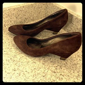 Brand new Vero Cuoio suede brown shoes